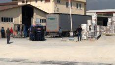 Fabrikaya karton getiren tırdan mülteciler çıktı