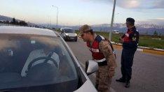Trafik Uygulaması Yapan Jandarma, Sürücüleri İftara Davet Etti