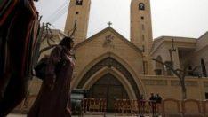 Mısır'da rahip öldürüldü