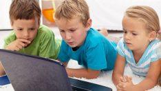 Uzmanlar, çocukların internet güvenliği için ebeveynleri uyarıyor