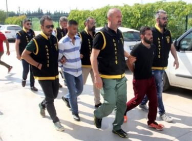 Adana'da kuyumcuya gasp