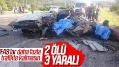 Antalya'da yolcu otobüsüyle otomobil birbirine girdi: 2 ölü, 3 yaralı