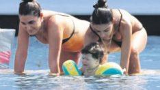 Arda Turan'ın oğlu denize girdi