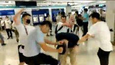 Hong Kong'da sokak çatışmaları