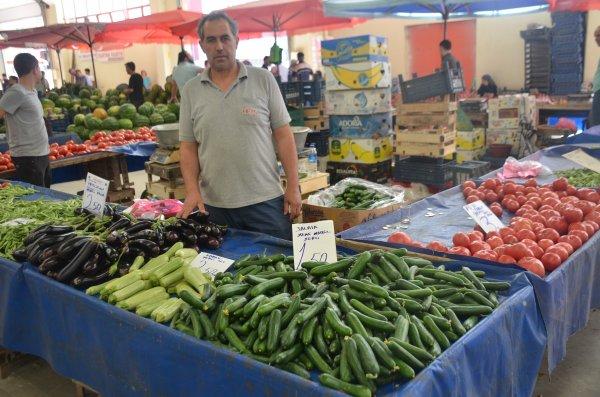 Tarlada 30 kuruş olan salatalık büyükşehirlerde 5 TL
