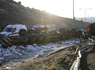 Ankara Çevreyolu'nda trafik kazası