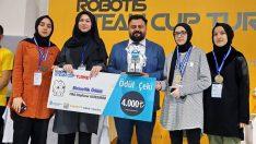 Dünya Robot Yarışmasında Türkiye'yi, Güngören İTO Kız Anadolu İHL temsil edecek