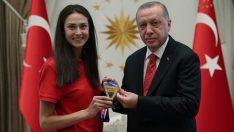 Başkan Erdoğan Dünya şampiyonu tekvandocu'yu külliye'de kabul etti