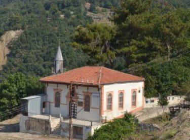 Denizli'de 2 asırlık cami kaderine terk edildi