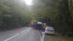Fotoğraf çektirirken kaza yapan aracın altında kaldı
