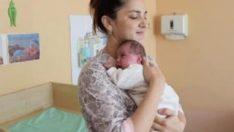 Kazakistan'da bir kadın 3 ayda 2 çocuk sahibi oldu
