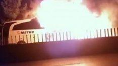 Mersin'de seyir halindeki yolcu otobüsünde yangın