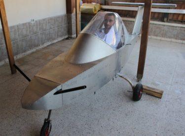 15 Temmuz gazisi evinin balkonunda kendi uçağını yapıyor