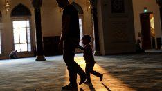 Babalar ve Çocuklar Sabah namazında buluşuyor