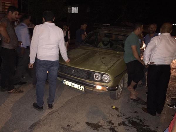 Adana'da otomobilin çarptığı çocuk yaralandı