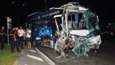 Antalya'da iki otobüs çarpıştı: 13 yaralı