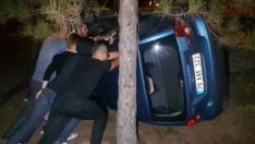 Karabük'te yoldan çıkan otomobil takla attı