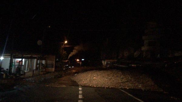 Şavşat-Artvin karayolu heyelan nedeniyle ulaşıma kapandı