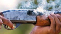 Tüfekle oynayan çocuk kardeşini öldürdü