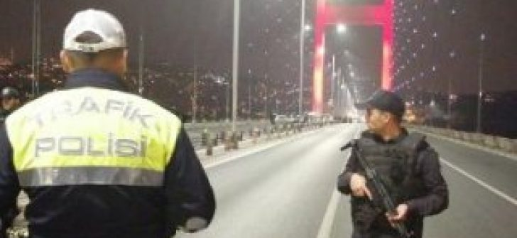15 Temmuz Şehitler Köprüsü'nde intihar girişimi