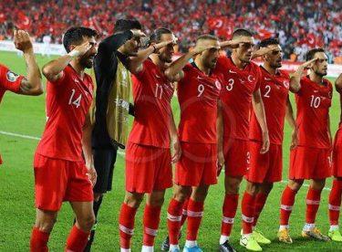 Bu milletin her ferdi gerektiğinde Mehmetçik'tir