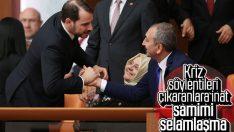 Abdülhamit Gül ve Berat Albayrak'ın selamlaşması