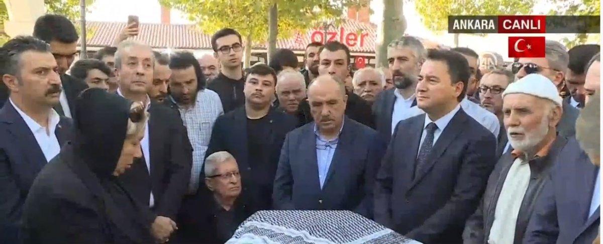 Ali Babacan, Nuri Pakdil'in cenazesine katıldı