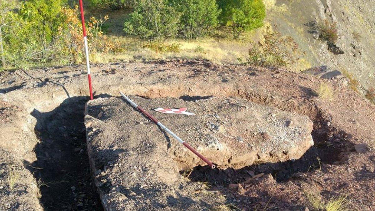 Elazığ'da sondaj kazısında 1000 yıllık kale bulundu