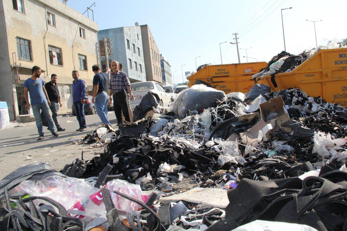 İzmir Bornova'da çöp tepeleri