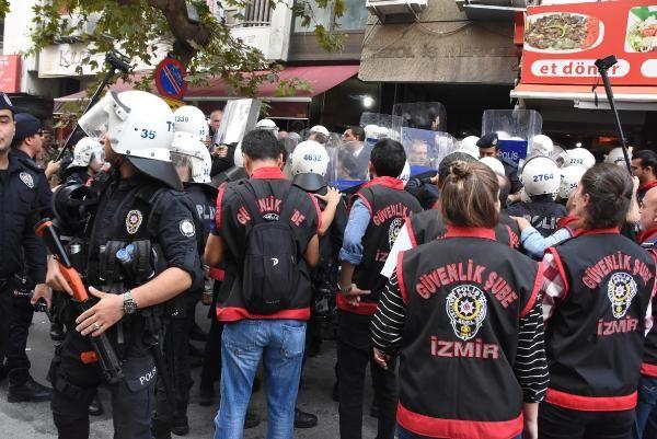 İzmir'de, HDP binasında açıklama gerginliği