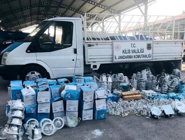Kilis'te kaçak elektrik malzemeleri ele geçirildi