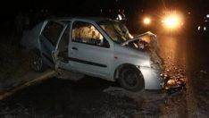 Manisa'da iki araç kafa kafaya çarpıştı: 1 ölü 6 yaralı