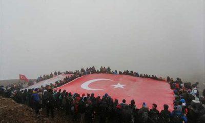 Palandöken'in zirvesinde Cumhuriyet Bayramı