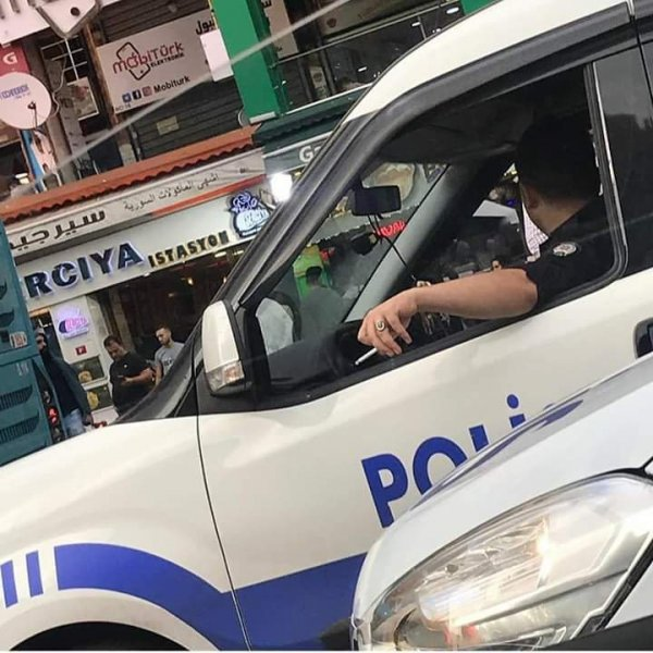 Polislere mesai saatinde sigara yasağı