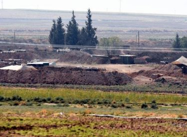 TSK namluları YPG mevzilerine çevirdi