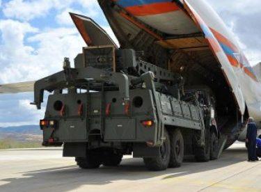 ABD: S-400'lerden vazgeçilmezse yaptırım kararı alırız