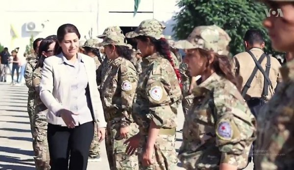 ABD'den YPG'li kadın teröristleri eğitmek için askeri akademi