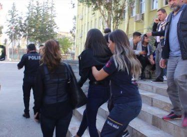 Adana'da bıçaklandığını saklayan kız öğrenci okulda fenalaştı