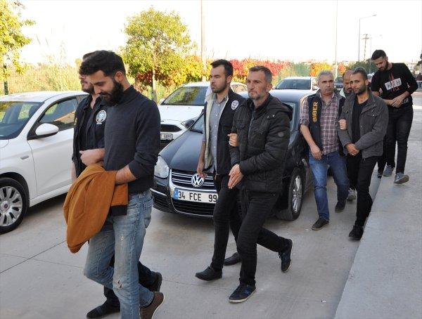 Adana'da peruklu bahis şebekesi yakalandı