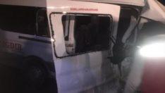 Ağrı'da trafik kazasında 1 kişi öldü 18 kişi yaralandı