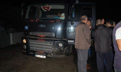 Alkollü sürücü tırla çarpıştı: 1 ölü