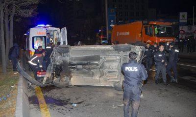 Ankara'da polis aracına minibüs çarptı
