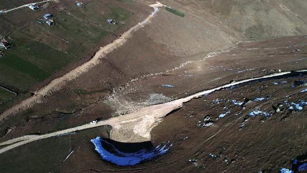 Dipsiz Göl'ün eski haline dönmesi için kar bekleniyor -4