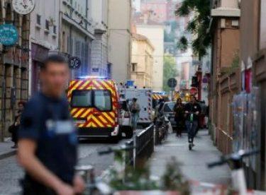 Fransa'da üniversite öğrencisi kendini ateşe verdi