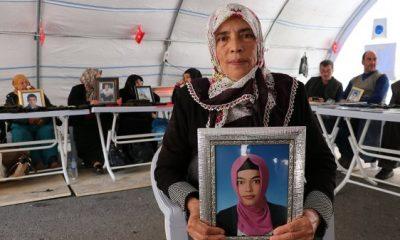 HDP önündeki anne: 20 yıl geçse de buradayım