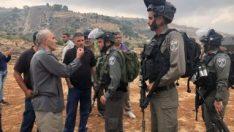 İsrail askerleri cuma namazına engel olmaya çalıştı