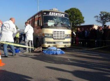 Karabük'te ölümlü trafik kazasını film izler gibi izlediler