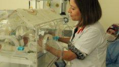 Manisa'da doğan 29 haftalık bebek sağlığına kavuştu