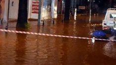 Marmaris de sağanak yağıştan nasibini aldı