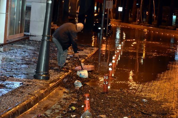 Sağanak yağış Marmaris'te hayatı felç etti -9